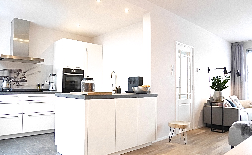 Binnenkijker- interieuradvies bij Henk & Anne in Nijmegen - verbouwing en nieuw keukenontwerp zorgt voor vee meer ruimte