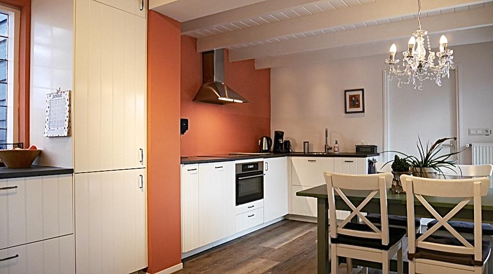 Interieuradvies Elburg -verbouwing keuken, ze hadden nooit gedacht dat ze zo'n grote keuken konden plaatsen.