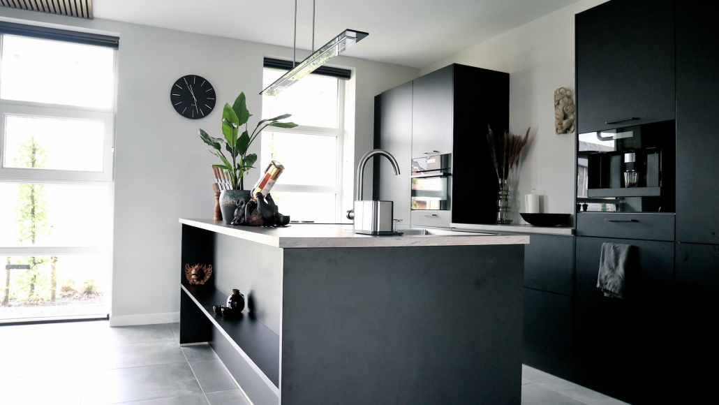 ontwerp zwarte keuken